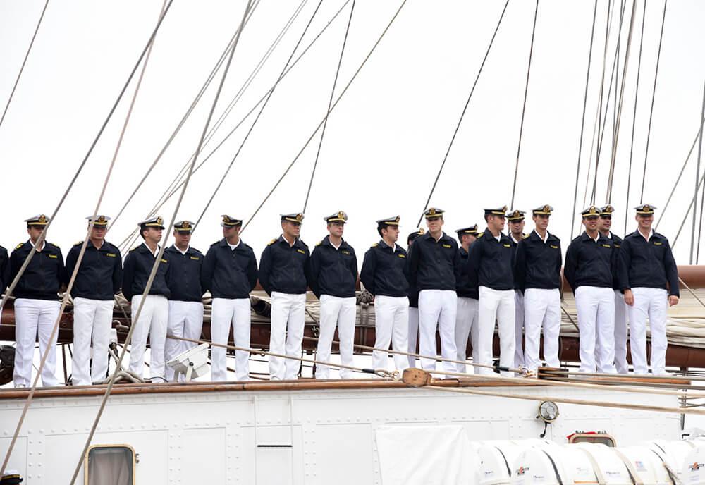 Juan Sebastian de Élcano crew